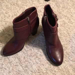 Marc Fisher NWOB burgundy leather ankle bootie